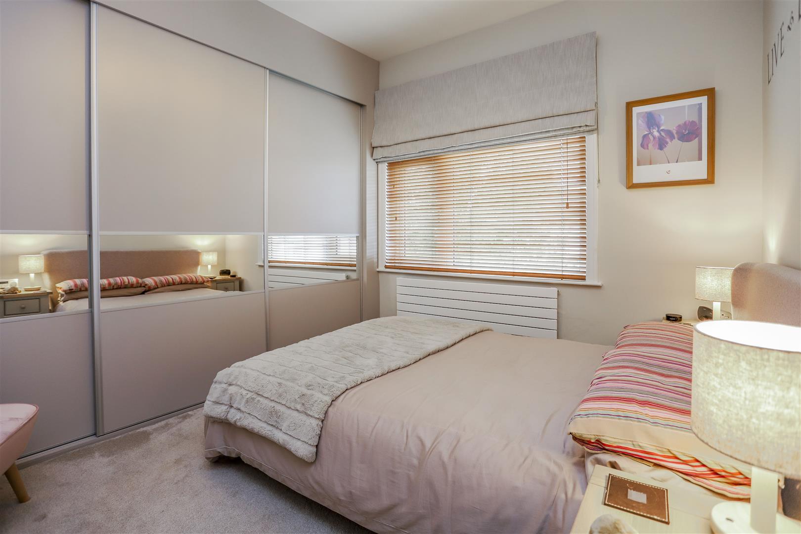 3 Bedroom Semi-detached House For Sale - 18.JPG